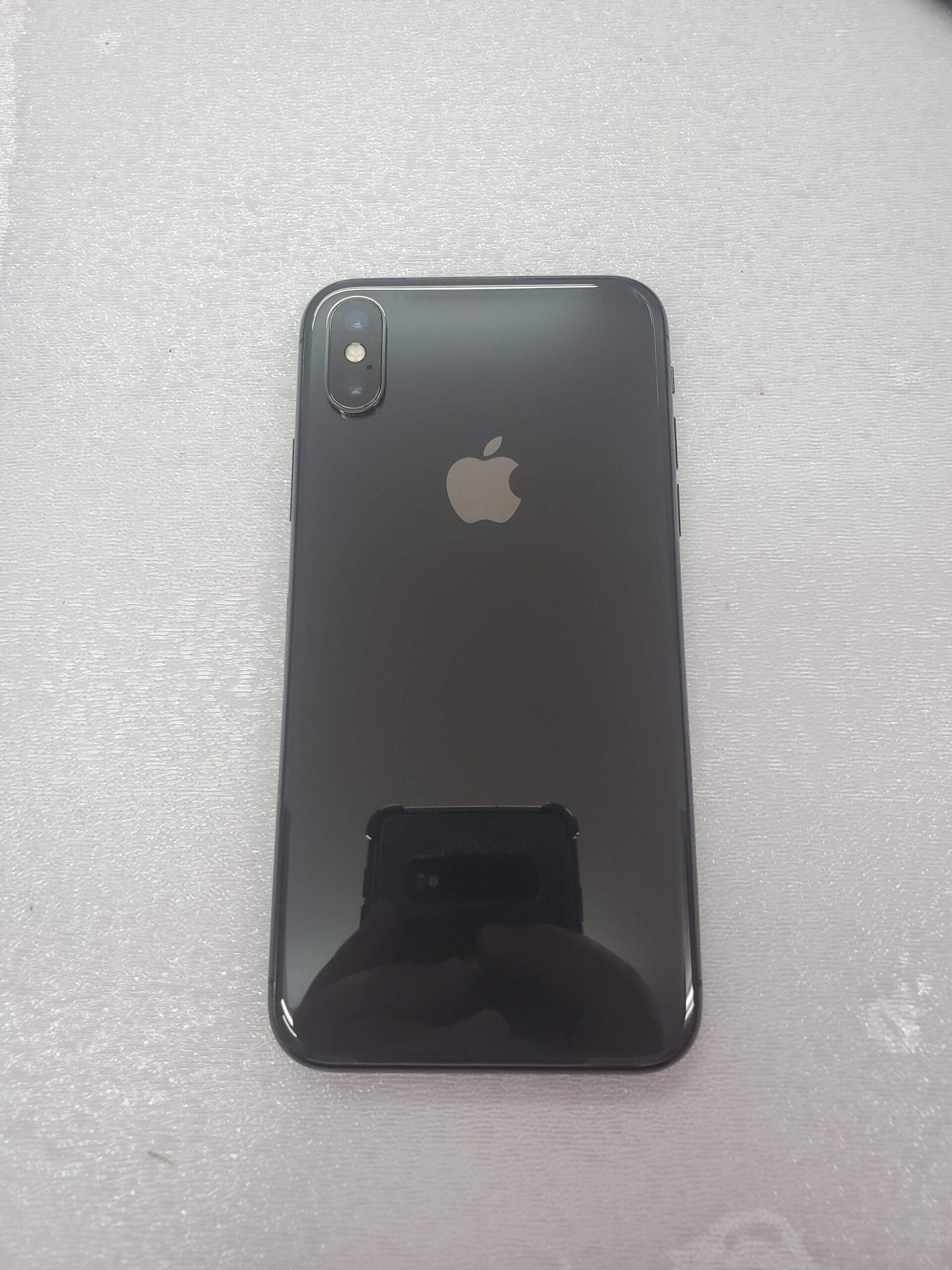 iphoneXSカメラレンズ割れ